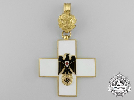 Cross of Honour of the German Red Cross, Type III, I Class Obverse