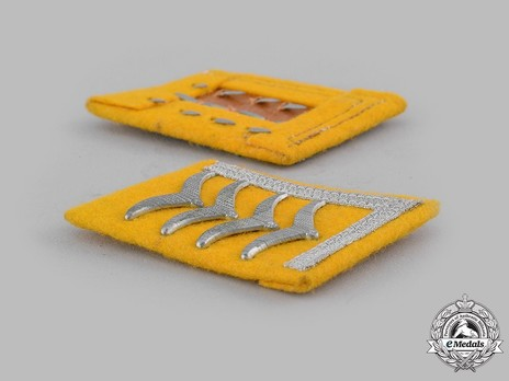 Luftwaffe Flying Troops Stabsfeldwebel/Oberfeldwebel Collar Tabs