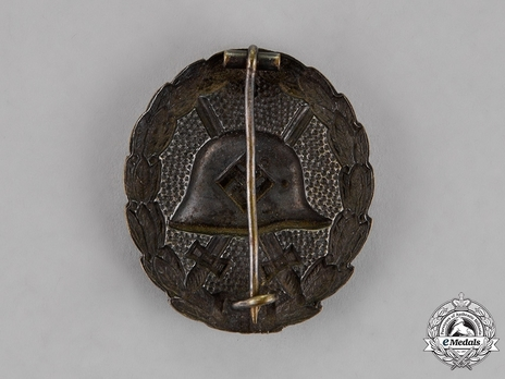 Wound Badge, in Black Reverse