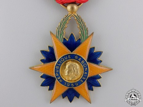 Order of the Equatorial Star, Knight Obverse