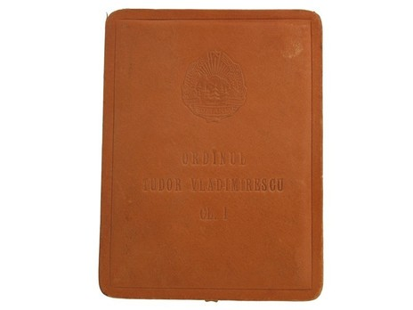 I Class Breast Star (with diamonds) Case of Issue Exterior