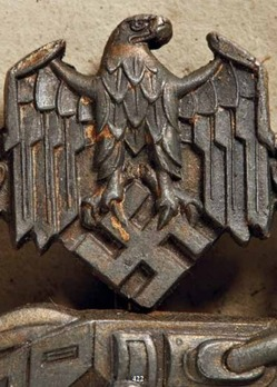 "Panzer Assault Badge, ""100"", in Bronze (by Juncker) Detail"