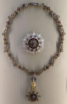 The Most Illustrious Order of the Royal House of Chakri Collar Obverse