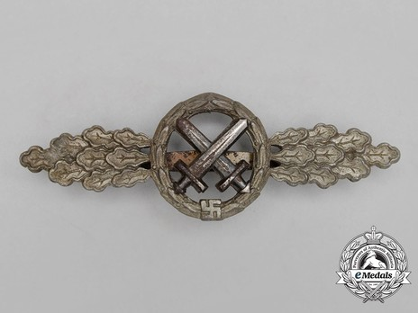 Air-to-Ground Support Clasp, in Silver Obverse