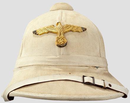 Kriegsmarine M1940 Standard Tropical Pith Helmet Front