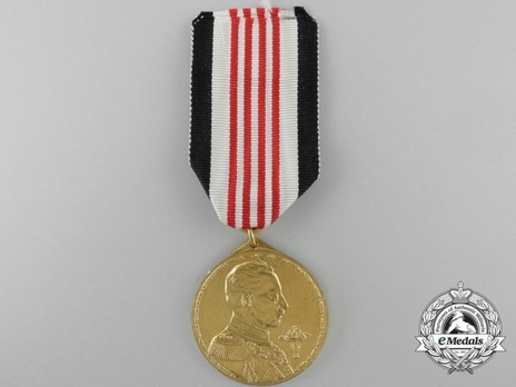 Colonial Medal (for soldiers of European descent, in bronze gilt) Obverse