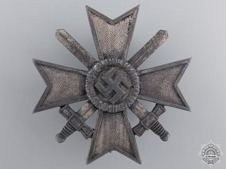 War Merit Cross I Class with Swords, by P. Meybauer (L/13, zinc) Obverse