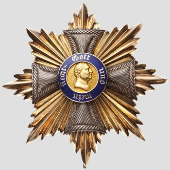 Grand Cross Breast Star (Silver/Gold) Obverse