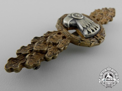Reconnaissance Clasp, in Bronze (in tombac) Obverse