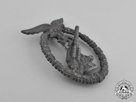 Luftwaffe Flak Badge, by Gebrüder Wegerhoff Obverse