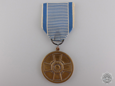 Cross of Merit of Physical Education and Sports, Gold Medal Obverse