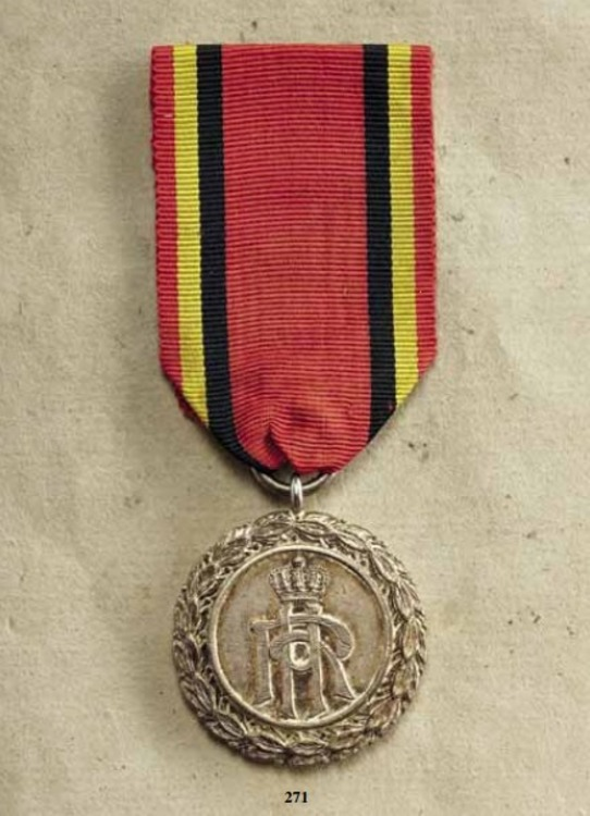 Decoration+for+art+and+science%2c+silver+medal%2c+obv+