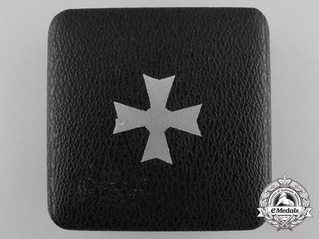 War Merit Cross I Class without Swords Case of Issue, by Deschler Exterior