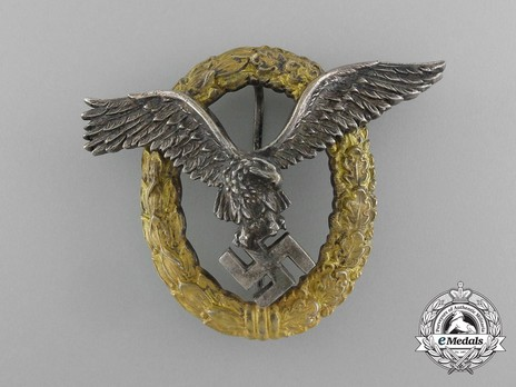 Combined Pilot/Observer Badge (2nd Model) (in tombac) Obverse