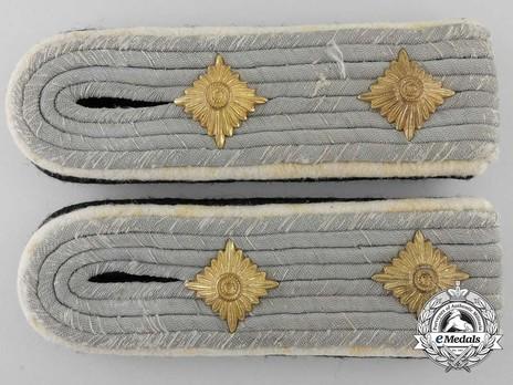 Waffen-SS Infantry Hauptsturmführer Shoulder Boards Obverse