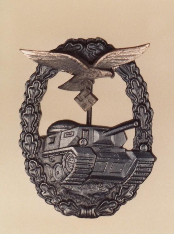 Luftwaffe+tank+assault+badge%2c+in+silver