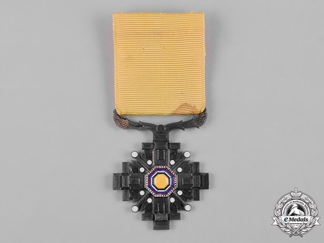 Order of the Pillars of the State, VIII Class Obverse