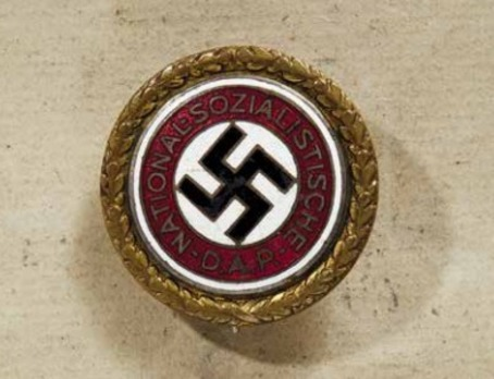 NSDAP Golden Party Badge, with Date of Issue (large) Obverse