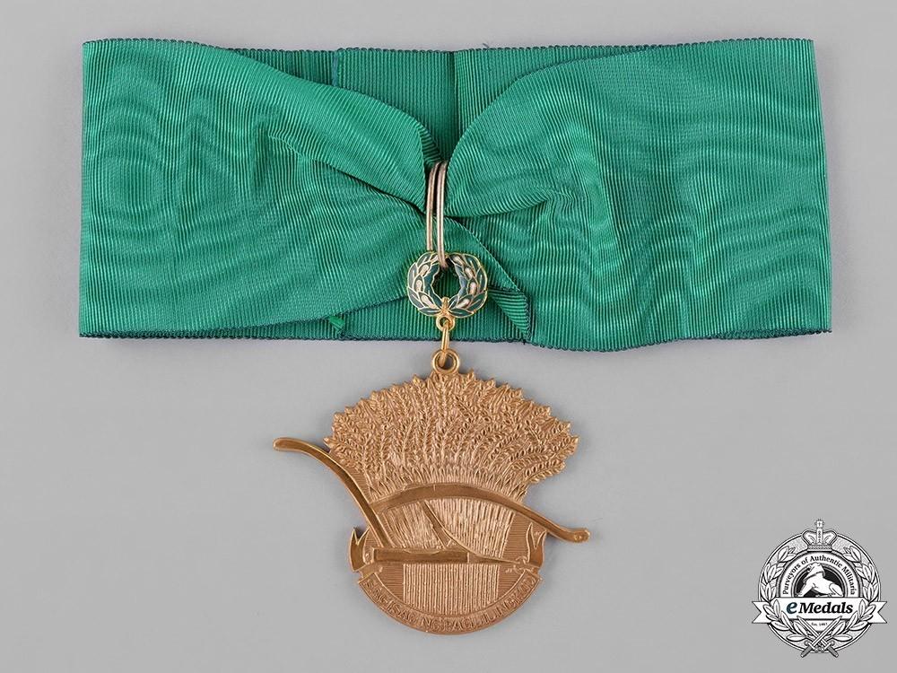 Presidential+golden+plow+award+for+land+reform+1