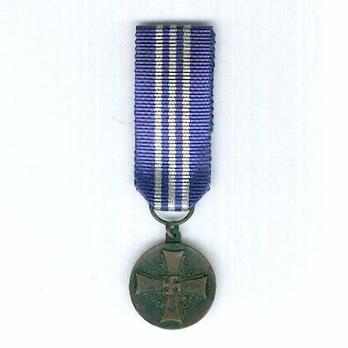Miniature Lotta Svärd Medal of Merit Obverse