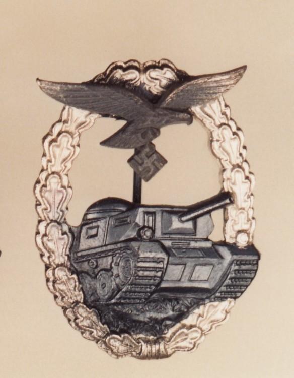 Luftwaffe+tank+assault+badge%2c+in+black