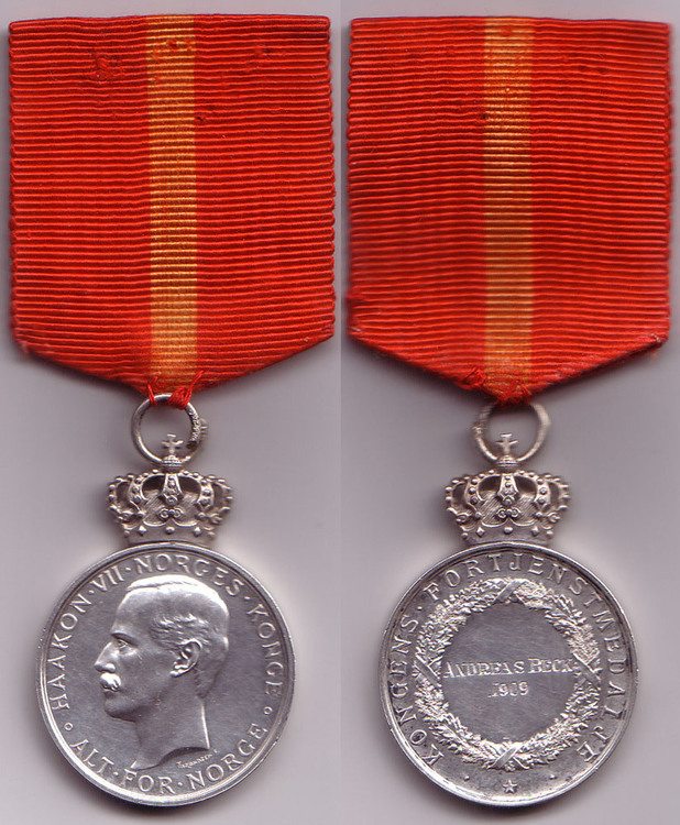 Royal+house+medal+of+merit%2c+silver+medal+%28with+crown+haakon+vii%29