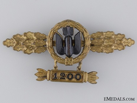 """Bomber Clasp, in Gold (with """"1200"""" pendant) Obverse"""