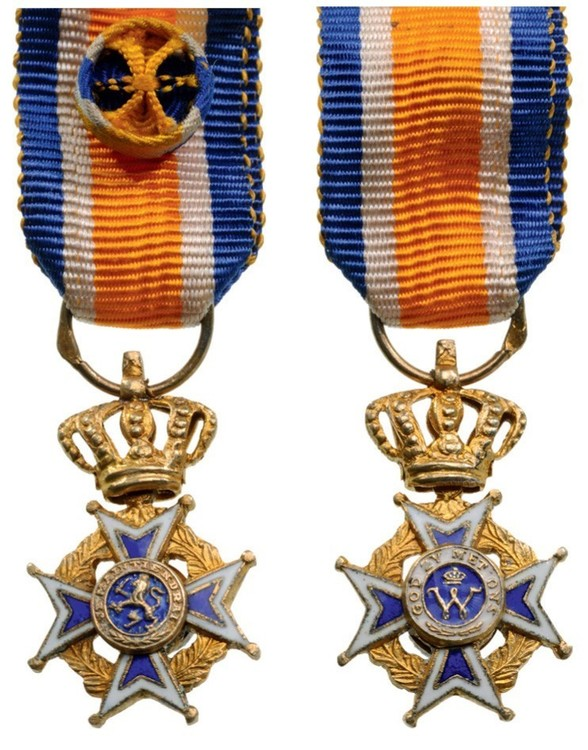 Miniature officer civil division obverse and reverse2