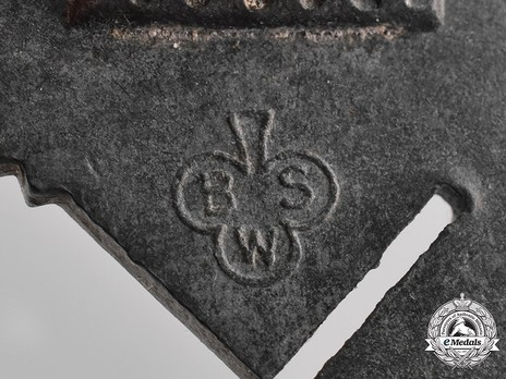 Infantry Assault Badge, by Brüder Schneider (in silver) Detail