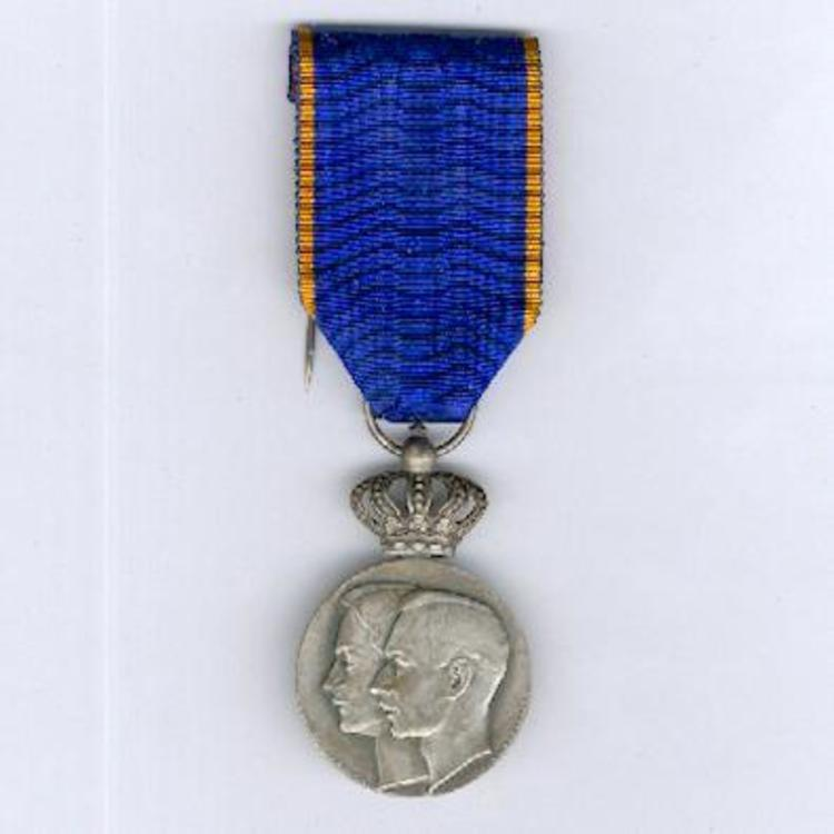 Silvered bronze medal o12