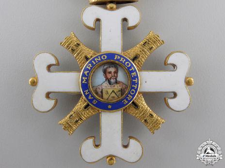 Order of San Marino, Type II, Officer Obverse