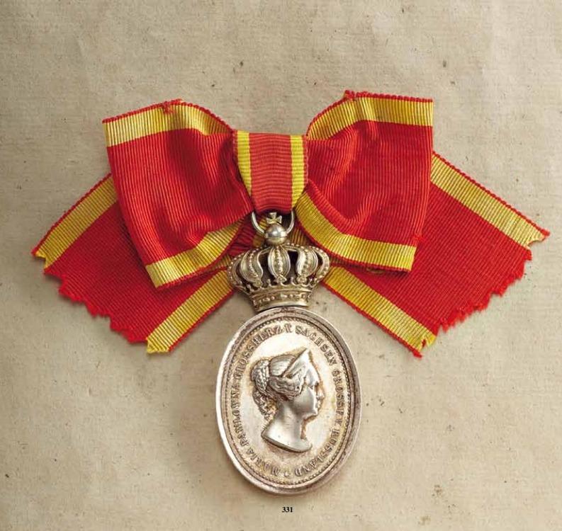 Honour+decoration+for+women%2c+ii+division%2c+obv+