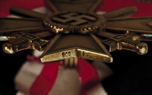 Golden Knight's Cross of the War Merit Cross with Swords, by Deschler Detail