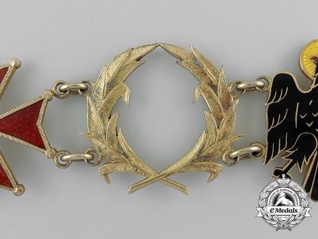 Collar (Silver gilt) (length 820) Obverse