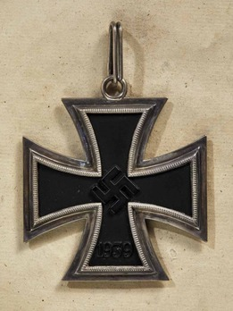 Grand Cross of the Iron Cross (by Juncker, L/12 800) Obverse