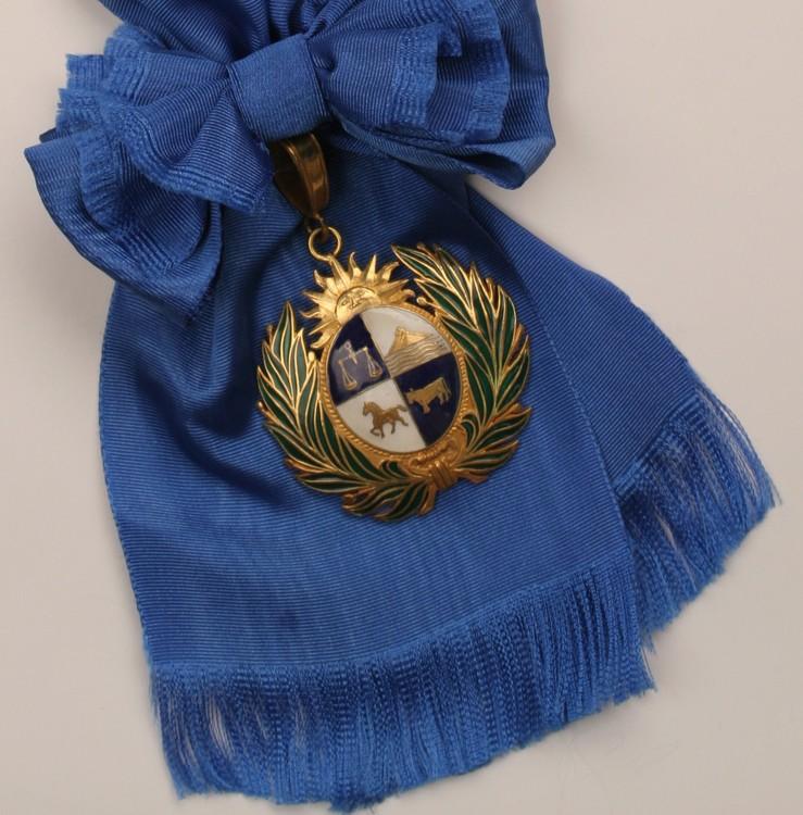 Medal of republic of uruguay001