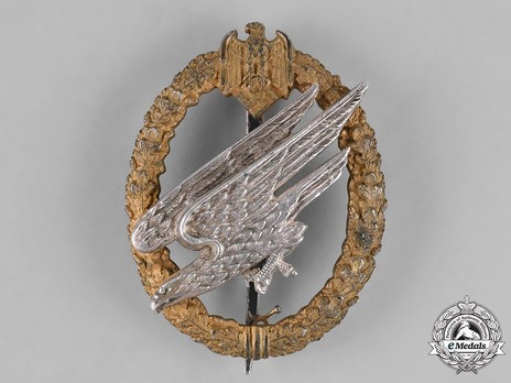 Army Paratrooper Badge, by C. E. Juncker (in silver) Obverse