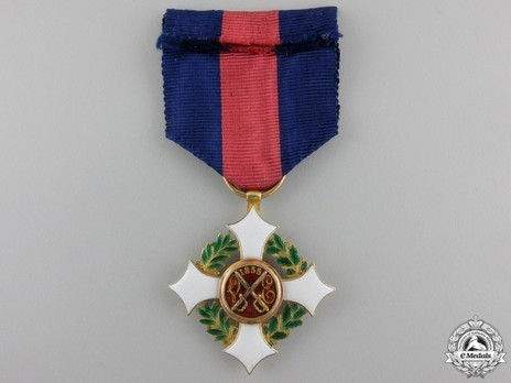 Military Order of Savoy, Type II, Knight (in gold) Reverse