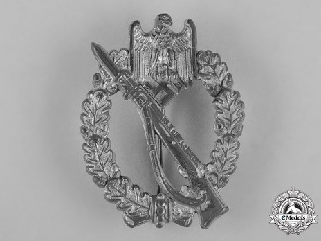 Infantry Assault Badge, by F. Orth (in silver) Obverse
