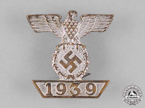 Clasp to the Iron Cross II Class, Type II Obverse