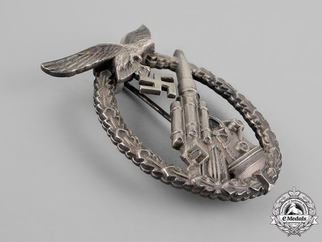 Luftwaffe Flak Badge, by G. Brehmer (in nickel silver) Obverse