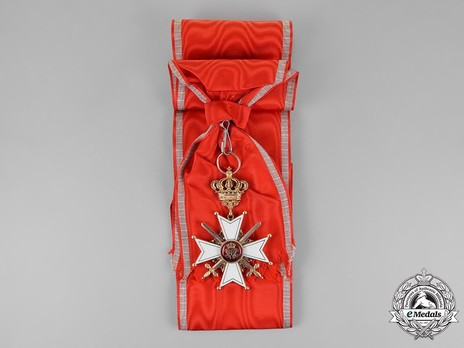 Grand Cross with Swords (in gold) Obverse with Ribbon