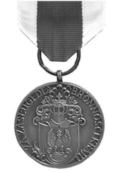 Medal of Merit for National Defence, III Class Obverse
