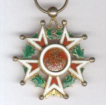 Order of the Brilliant Star of Zanzibar, Type VIII, V Class Knight Obverse