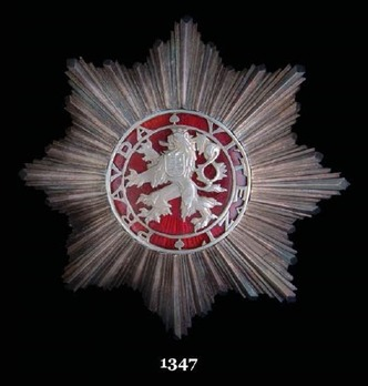 Order of the White Lion, I Class Breast Star Obverse