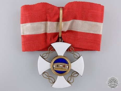 Order of the Crown of Italy, Commander Cross (in silver-gilt) Obverse