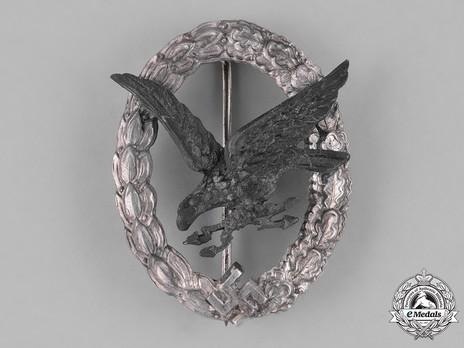 Radio Operator & Air Gunner Badge, by Assmann (in zinc) Obverse