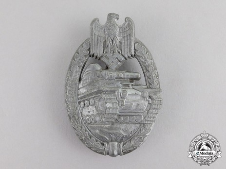 Panzer Assault Badge, in Silver, by Unknown Maker: Semi-Hollow Daisy Obverse