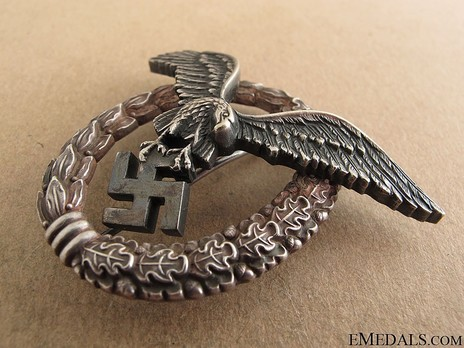 Pilot Badge, by Unknown Maker: OM Obverse