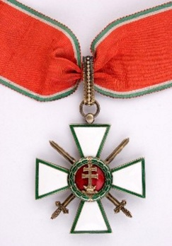 Hungarian Order of Merit, Commander, Military Division Obverse